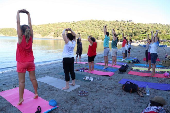 Bg-joga-odmor-Grcka-Amuliani-asana-drvce