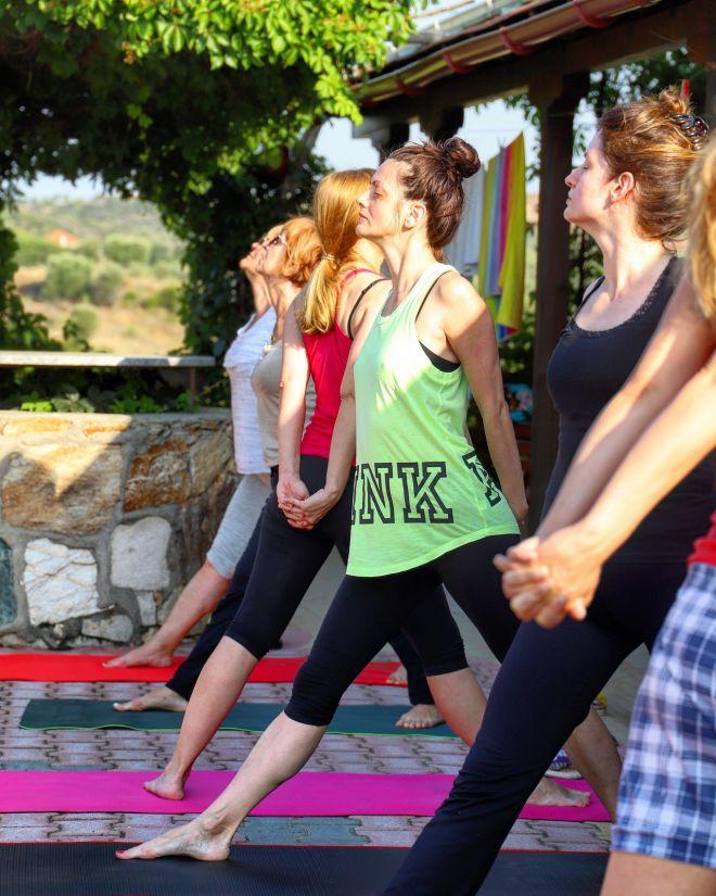 Bg-joga-odmor-Grcka-Amuliani-trikon-asana