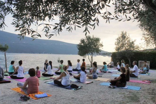 Joga-odmor-Crna-Gora-Baosici-zalazak-sunca