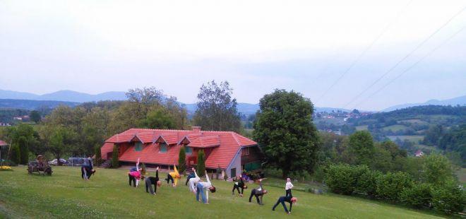 Joga-retreat-klaticevo-cas-sa-pogledom