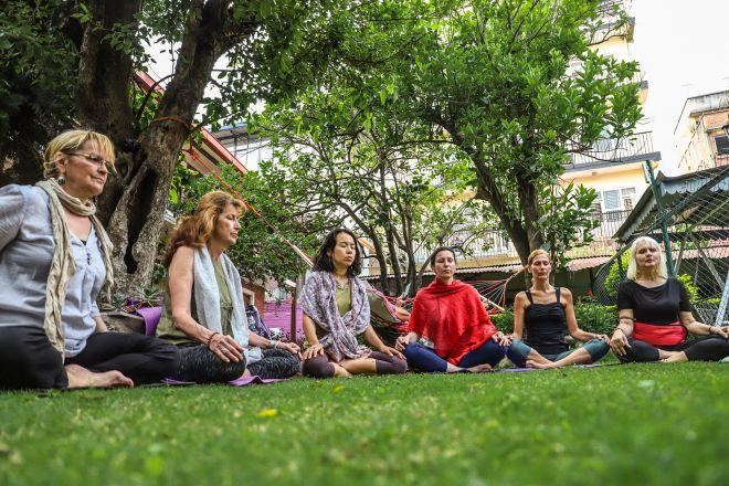 Bg joga Nepal retreat